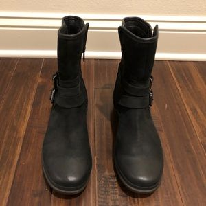 Women's UGG Simmens Leather Boot Size 8.5